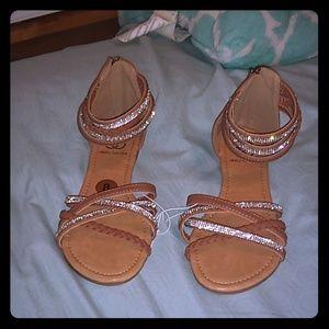 💥MEGA SALE💥NWOT Daisy Fuentes Sandals